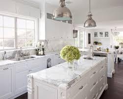 Biała kuchnia – co musisz wiedzieć?
