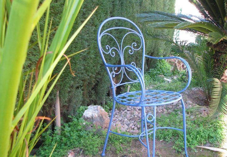Meble ogrodowe – sprawdź wady i zalety!